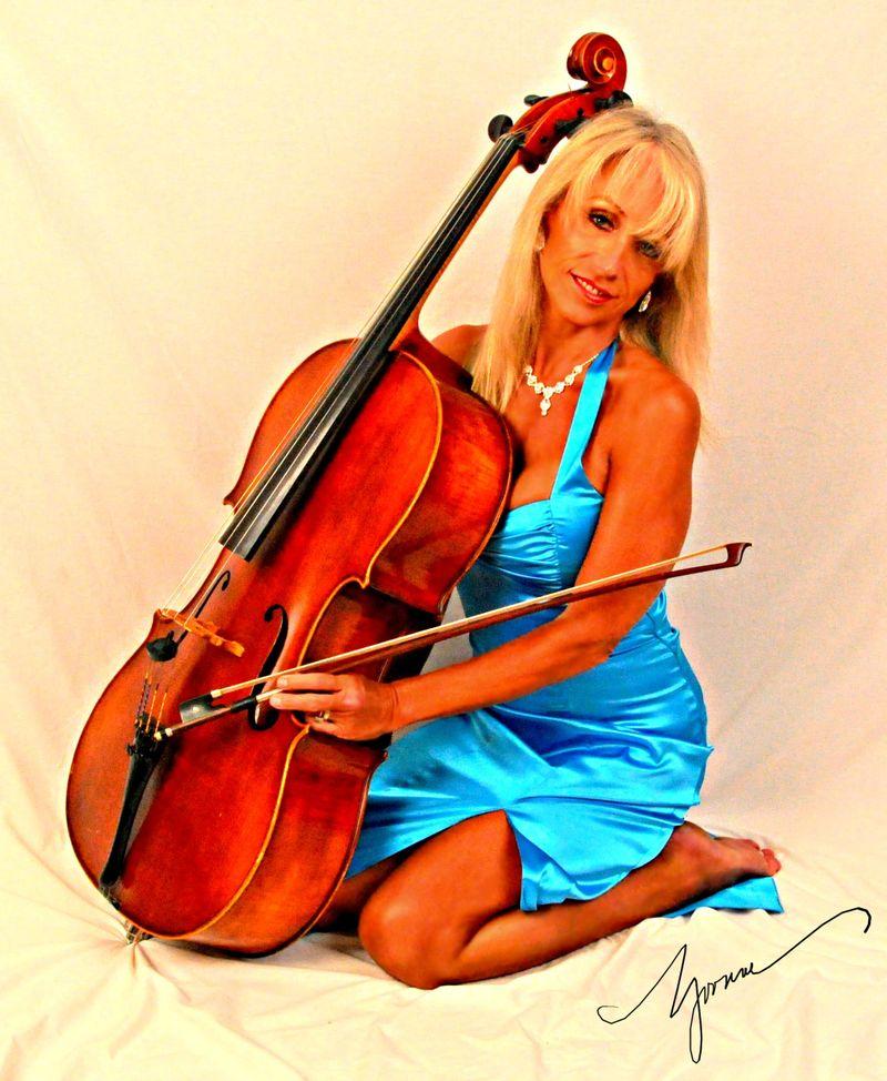 Yvonne_cello3
