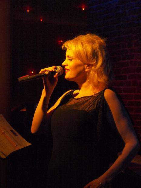 SINGING SIDE